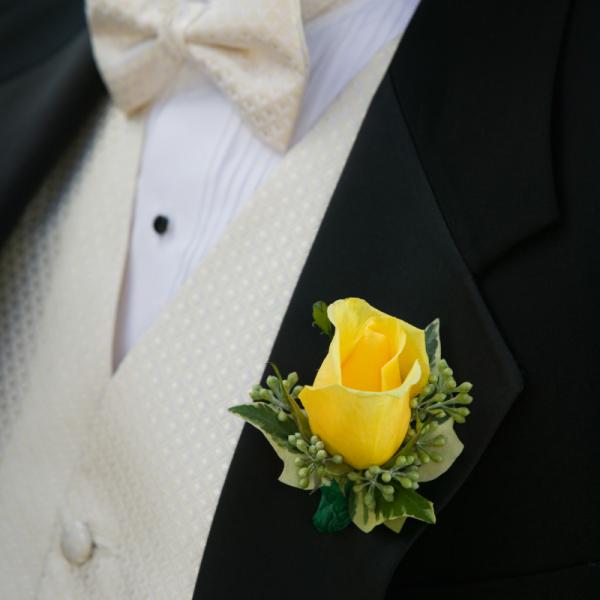 yellow rose Boutonnière